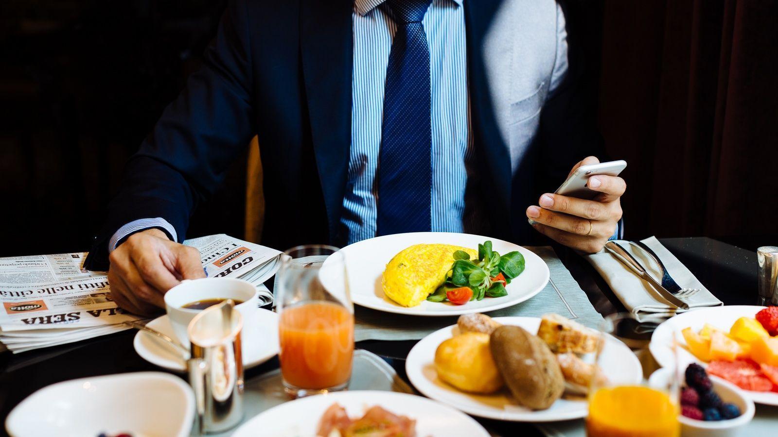 Breakfast business: il miglior momento per incontri di lavoro è la colazione